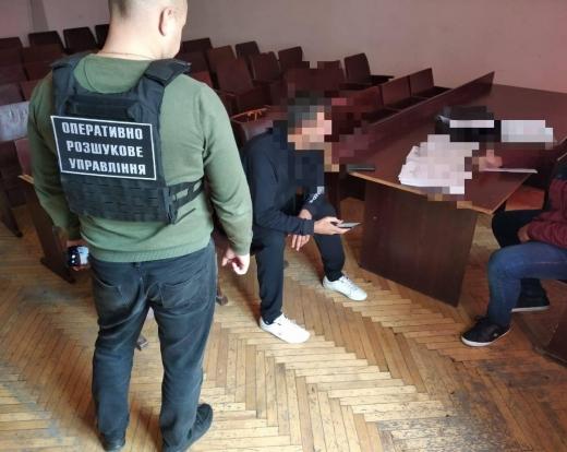 Затримали громадянина Туреччини, який намагався переправити до Угорщини нелегальних мігрантів