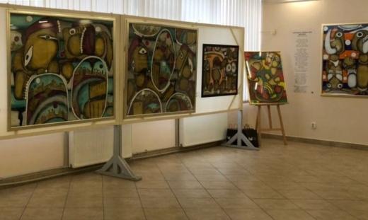 В Ужгороді виставили 40 полотен Емми Андієвської (ВІДЕО)