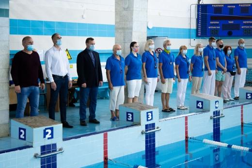 """У """"Буревіснику"""" на першості Ужгорода змагалися юні плавці"""