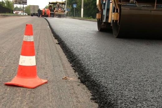 На Закарпатті триває ремонт доріг (ВІДЕО)