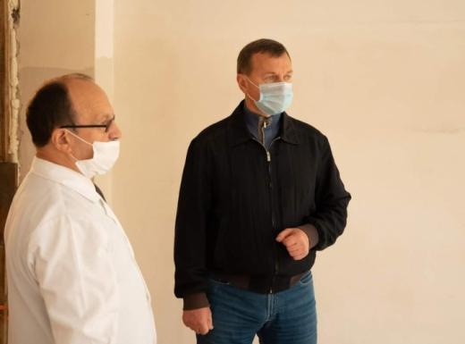 В Ужгородській центральній лікарні приймальне відділення перетворюють на відділення екстреної допомоги