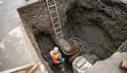 Стару водопровідну мережу замінять на одній із вулиць Ужгорода