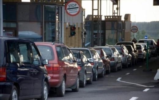 Ситуація на закарпатських кордонах: на кількох пунктах пропуску стоять більше двох сотень автівок