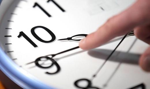 25 жовтня в Україні переводять годинники на зимовий час