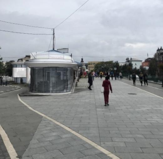 Кав'ярні та магазини замість громадського туалету: що буде на площі Петефі