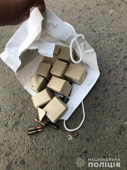 Поліція вилучила в ужгородця 200 набоїв до автоматичної зброї