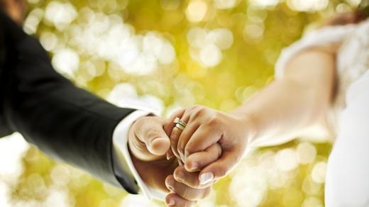 На карантині українці одружувалися частіше, ніж розлучалися