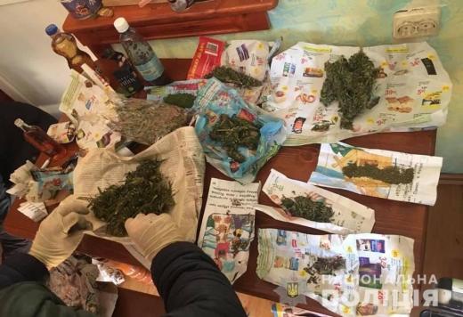 У 53-річного мешканця села Оноківці знайшли понад три з половиною кілограми марихуани (ФОТО)