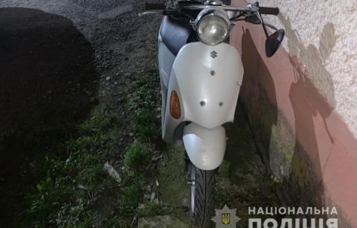 Внаслідок аварії у Виноградові 16-річна пасажирка мопеда потрапила до лікарні