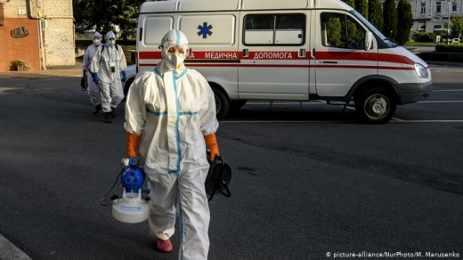 Троє людей померло та 172 нових хворих на коронавірус зафіксували на Закарпатті