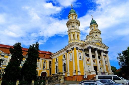 В Ужгороді розпочали реставрацію кафедрального собору (ВІДЕО)