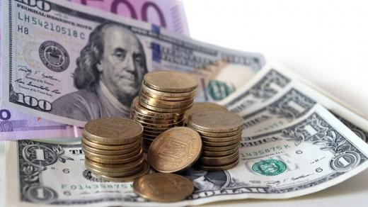 Долар та євро подорожчали: офіційний курс