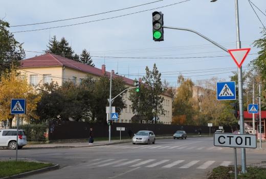 До уваги водіїв: в Ужгороді світлофор на вул. Загорській-Закарпатській працюватиме в іншому режимі