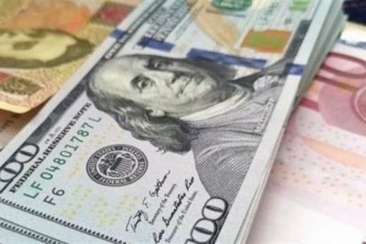 Долар впевнено дорожчає, а євро продовжує падати в ціні. Курс валют на 29 жовтня