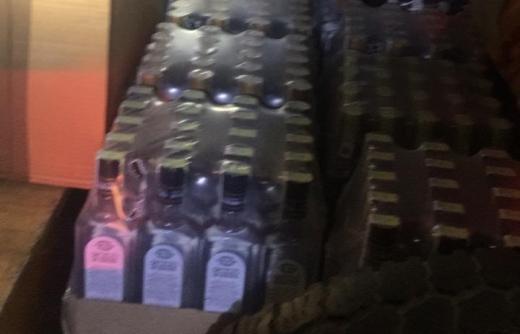 Поліція викрила незаконну схему доставки цигарок та алкоголю