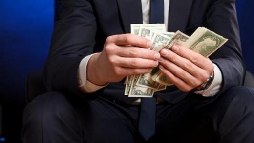 На Закарпатті банкір незаконно привласнив близько 700 тисяч гривень клієнтів