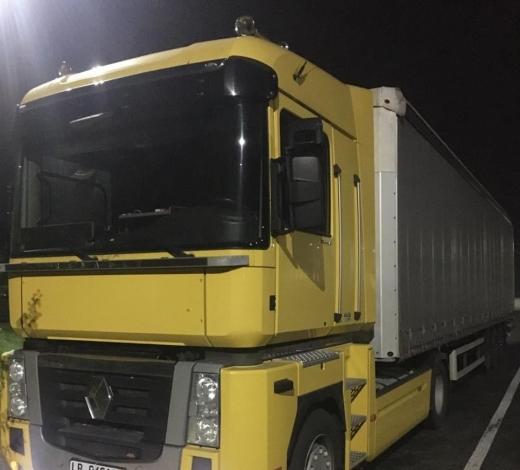 Львів'янина позбавили вантажівки через порушення митних правил на одному з КПП Закарпаття