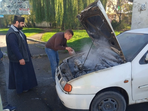 В Ужгороді під час руху загорілась автівка (ФОТО)