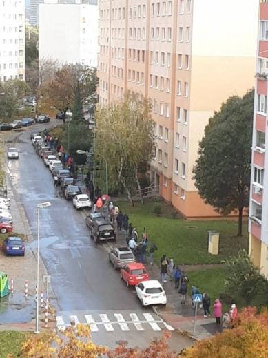 У Словаччині тестують все населення на COVID: у містах утворились довгі черги