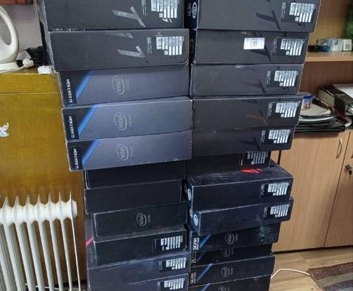 Через українсько-угорський кордон намагались незаконно перевезти 31 новий ноутбук