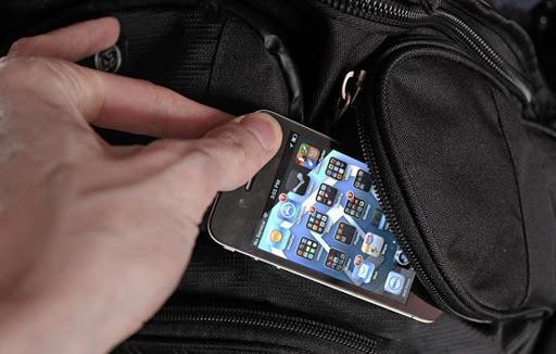 В Мукачеві раніше судимий чоловік безперешкодно зайшов до школи та викрав телефон