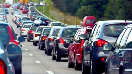 На кордоні з Угорщиною утворилася черга зі 100 машин