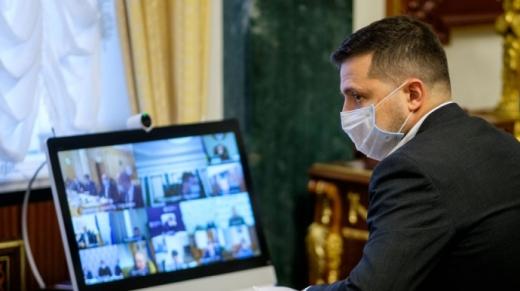 """Зеленський очікує, що """"карантин вихідного дня"""" триватиме декілька тижнів"""