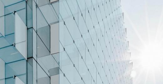 Створили сонячні вікна, які здатні генерувати електрику навіть у хмарні дні