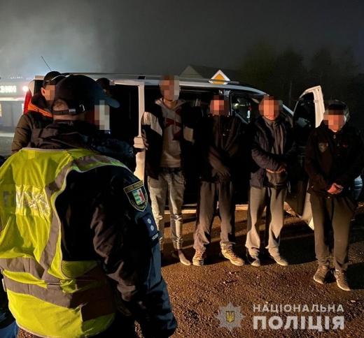 На Закарпатті викрили спробу переправлення нелегальних мігрантів через держкордон