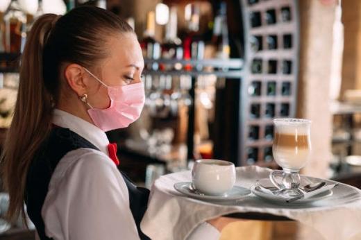 """На Закарпатті ресторатори не планують дотримуватися """"карантину вихідного дня"""""""