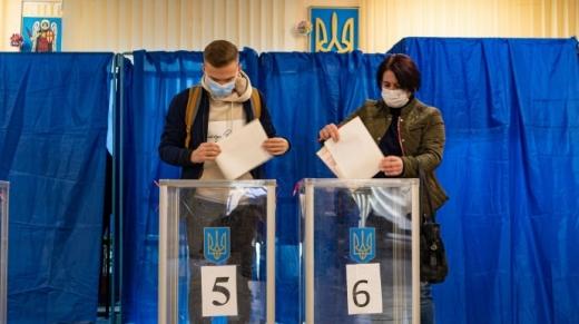 На Закарпатті до поліції надійшло майже 600 заяв про порушення під час виборів
