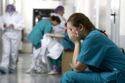 На Воловеччині медикам, які лікують людей від ковіду, не виплатили надбавки за працю
