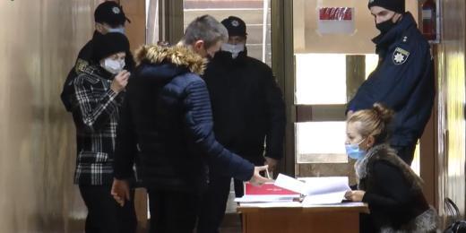 Виборчі комісії Ужгорода отримали бюлетені для повторного голосування (ВІДЕО)