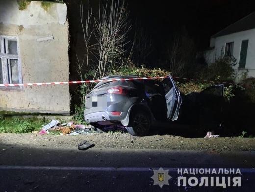 На Іршавщині легковик зіткнувся з вантажівкою: одна людина загинула (ФОТО)