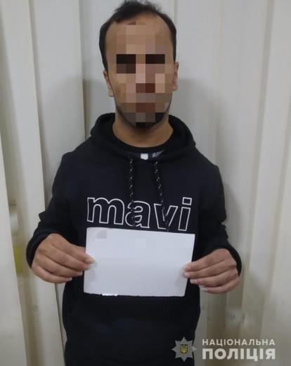 На Закарпатті викрили громадянина Туреччини, який організовував переправу нелегалів через кордон (ФОТО)