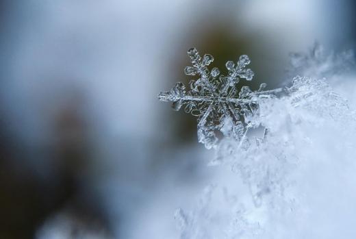Половину України накриє дощ і мокрий сніг