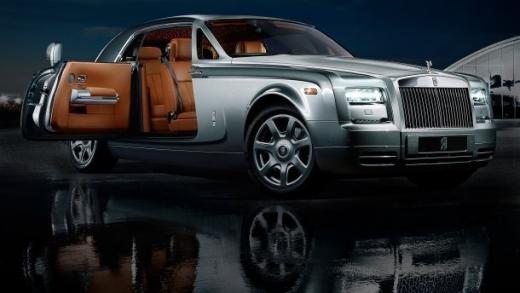 Стало відомо, на яку суму поповнили бюджет Закарпаття власники елітних автівок