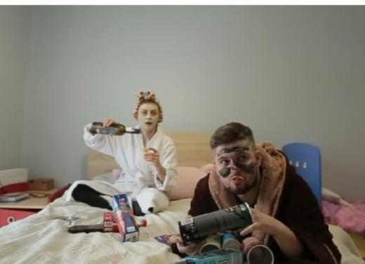"""П'ятниця — очікування й реальність: нове відео """"закарпатської жони"""""""