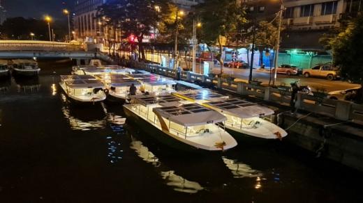 У Бангкоку відтепер можна поплавати на човнах, які живляться сонячною енергією