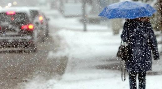 Погода 30 листопада: Україну накриє мокрий сніг, на дорогах – ожеледиця
