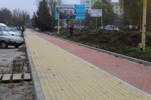 Триває капітальний ремонт однієї з ужгородських вулиць