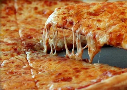 Сир для піци – які види можна використати?