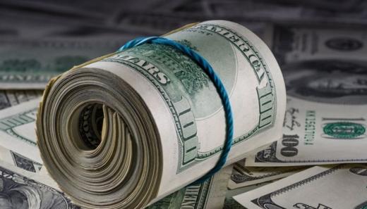 Українці в листопаді купили валюти більше, ніж продали
