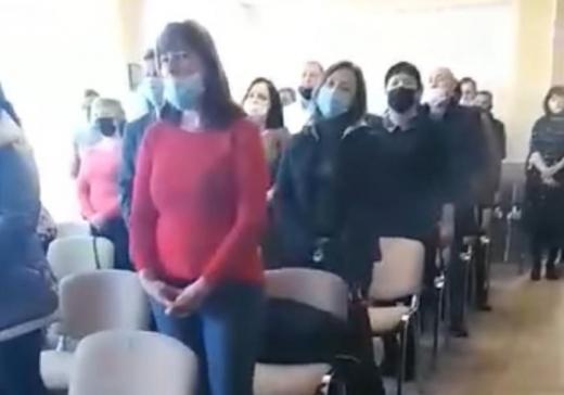 На Закарпатті депутати заспівали гімн Угорщини після складання присяги