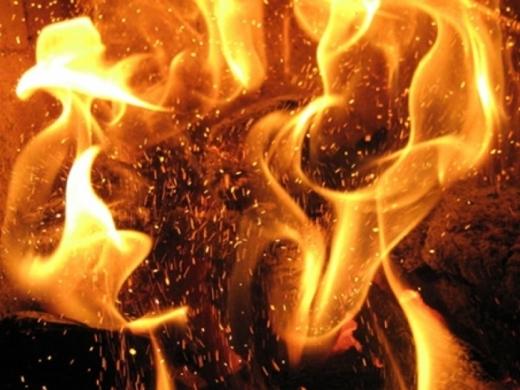 В Ужгороді на пожежі виявили тіло людини