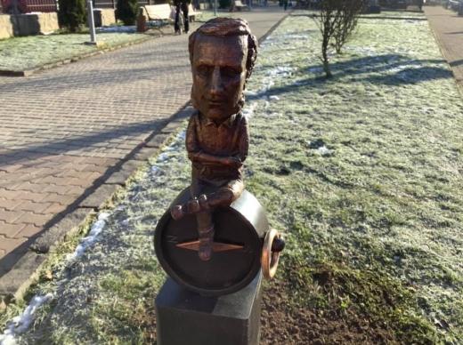 Поповнення у закарпатській колекції міні-скульптур (ФОТО)