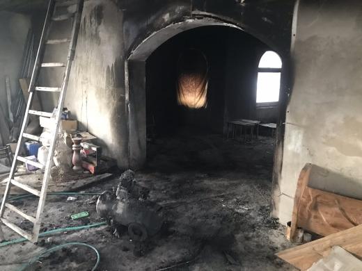 На Іршавщині загорівся житловий будинок, в якому робили ремонт