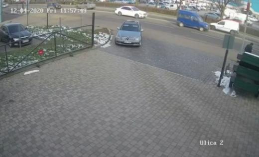 На Закарпатті викрили зловмисників, які обікрали автомобіль мукачівця (відео)