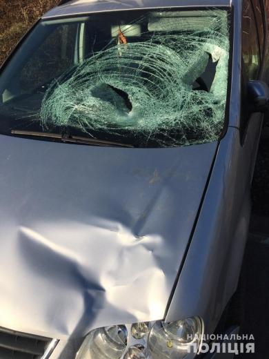 На Мукачівщині авто наїхало на 16-річного хлопця: від травм підліток загинув