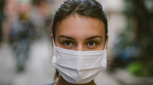 В Україні шукають волонтерів для підтримки одиноких людей у час пандемії COVID-19